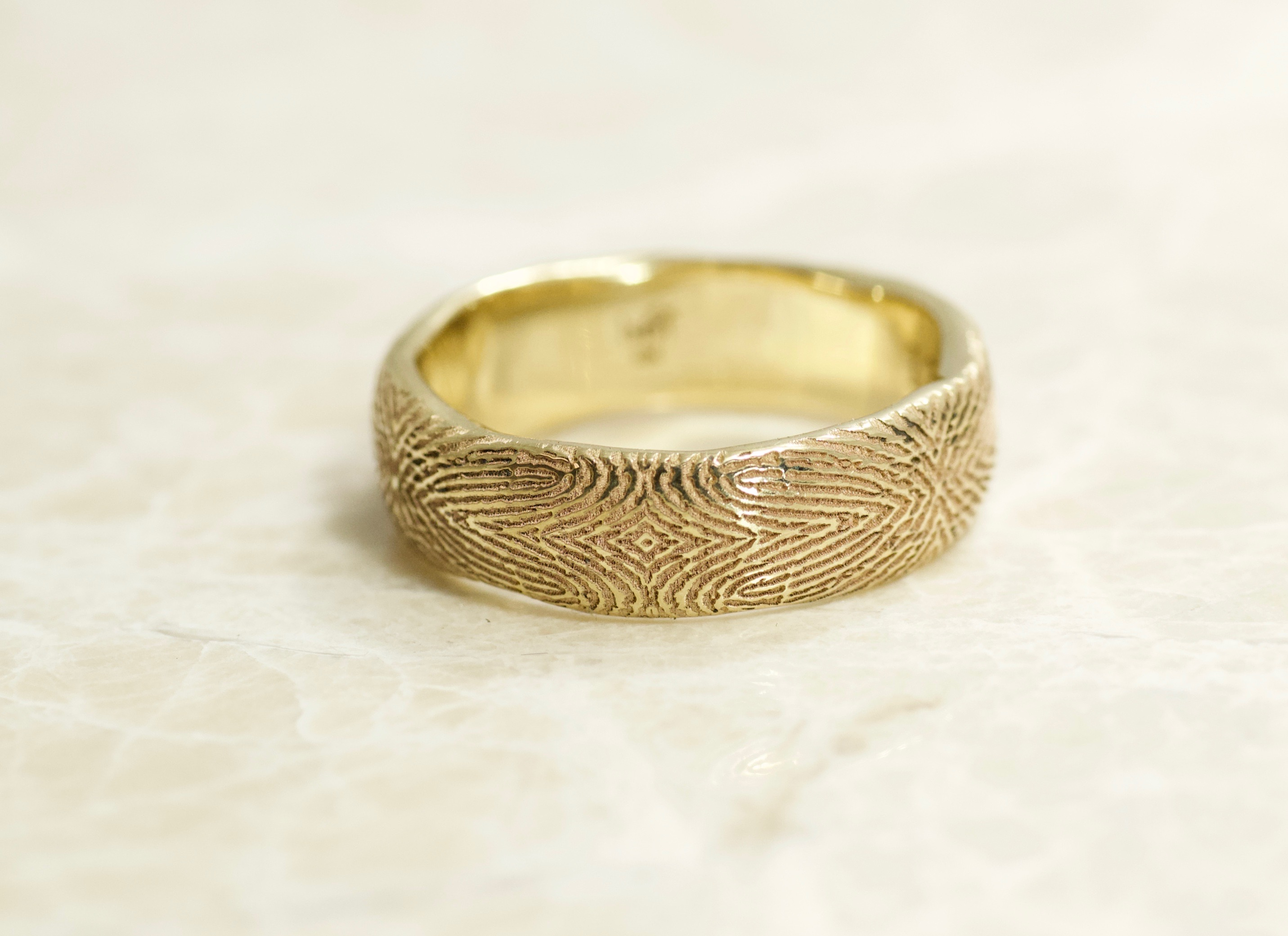 14k yellow mosaic fingerprint ring
